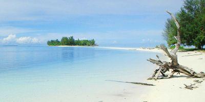 Berfoto Selfie Berlatar Pulau Dodola